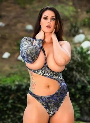 Big Tits Outdoor Porn
