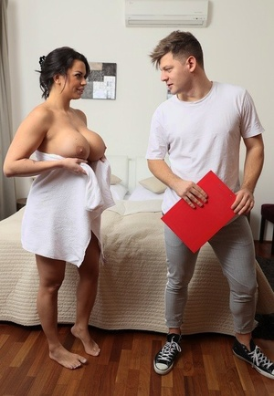 Big-boobed MILF Chloe Lamoure screws her man friend after masturbating in bathtub