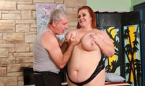 Naughty SSBBW Chick Lynn gets her massive mature vulva toyed up by an old man