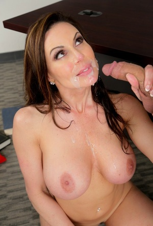 Hot Mummy teacher Kendra Lust exposes her hooters to seduce a male student