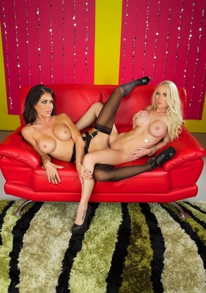 Lesbian pornstar Jessica Jaymes and her paramour lick and dildo mischievous cootchies