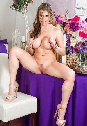 Nasty MILF Rachel Roxxx poses for some naked shots at a wedding
