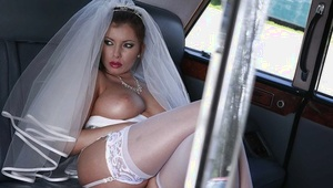 Garrulous bride revealing her hefty melons and shaved pussy outdoor