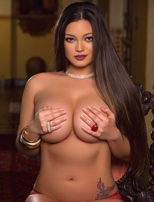 Solo model Chelsie Aryn gets naked for a Playboy centerfold shoot