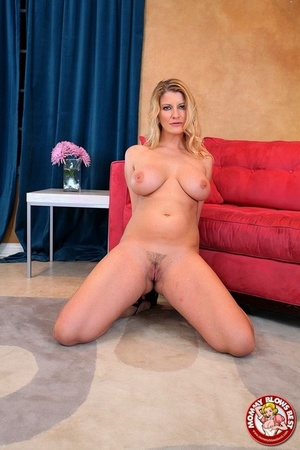 Horny mom Robbye Bentley offers up big beautiful tits & kneels for POV blowjob