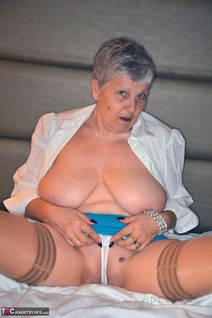 Warm granny Savana spreading wide open in cotton panties to flash mature pussy