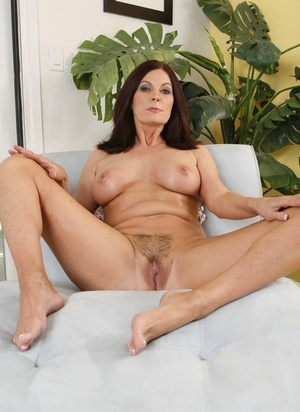 Solo model Magdeline St Michaels sets her C-cup boobs frees as she gets naked