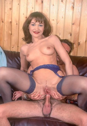 Seventies lady Sveta takes a blast of jizz in her mouth after anal fucking