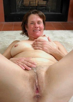 Marie works great black cock in her amateur pussy for a whole xxx